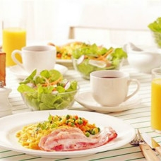 如何吃长寿蔬菜?建议老年人在养老院少吃油腻的食物