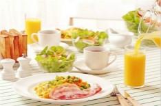 普通老年人在日常饮食中需要注意什么?