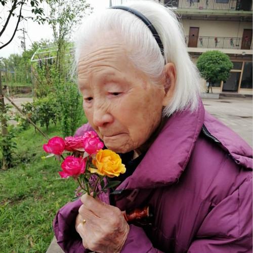 养老公寓如何为老年人提供更高质量的精神服务?